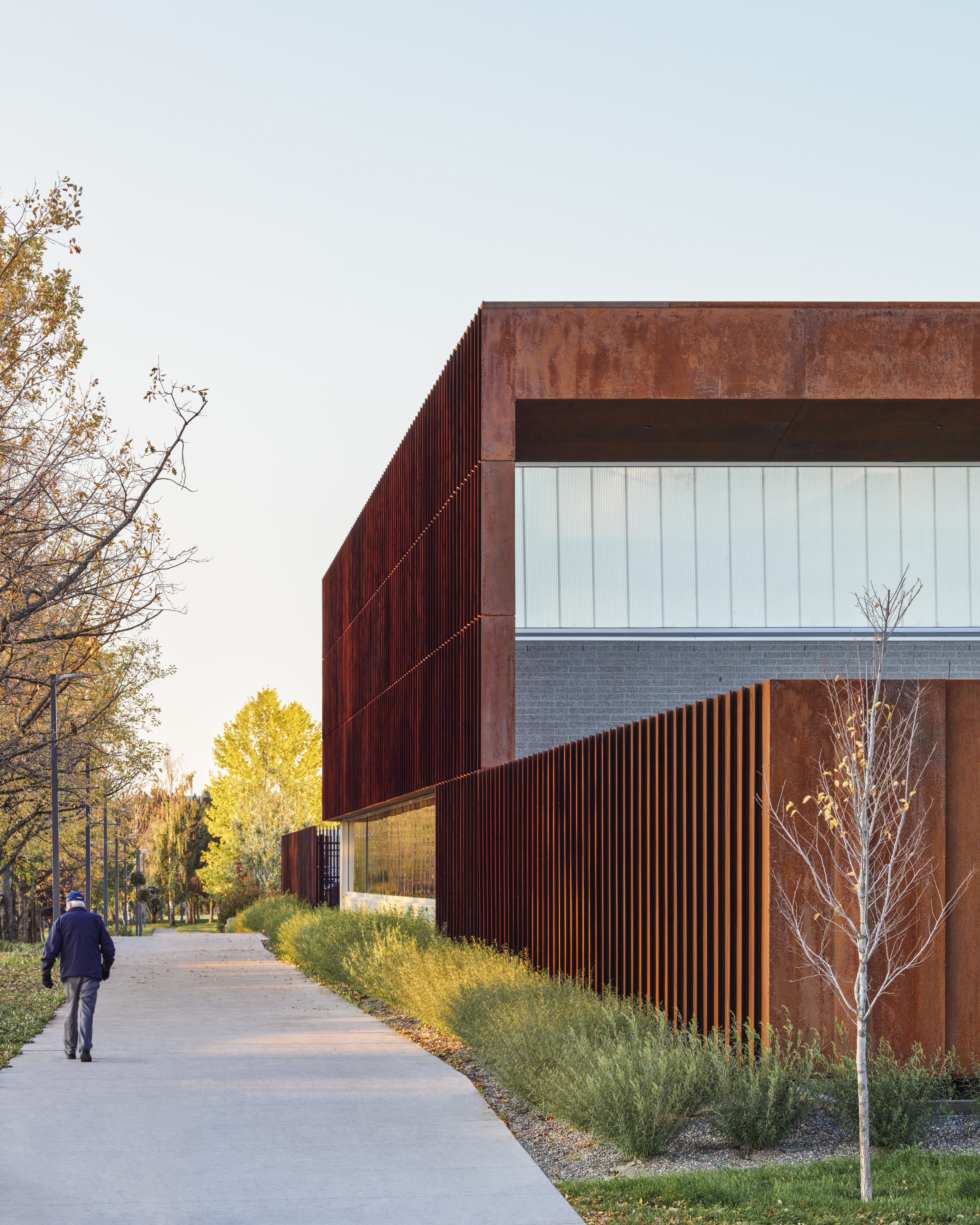 office of mcfarlane biggar architects + designers, Prince George, British Columbia, Canada, College of New Caledonia Heavy Mechanical Trades Training Facility